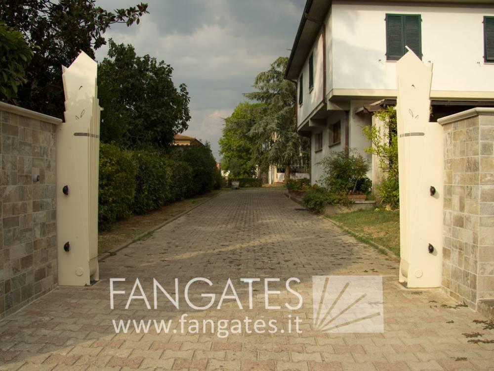 fan gate 320x165